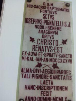 Lápida que recuerda el bautizo de S. José Pignatelli en la Iglesia de San Gil